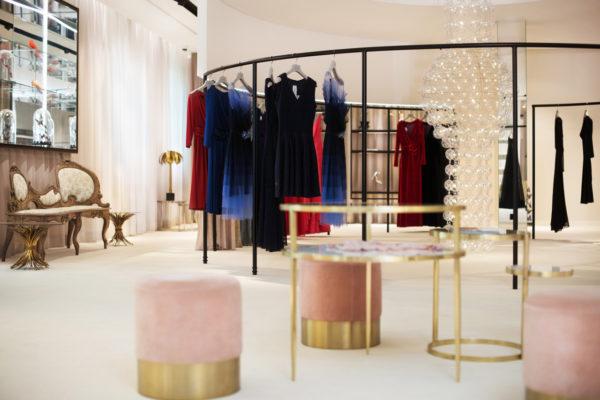 Custom -made chandelier_August Pfuller fashion store_Frankfurt, DE_02
